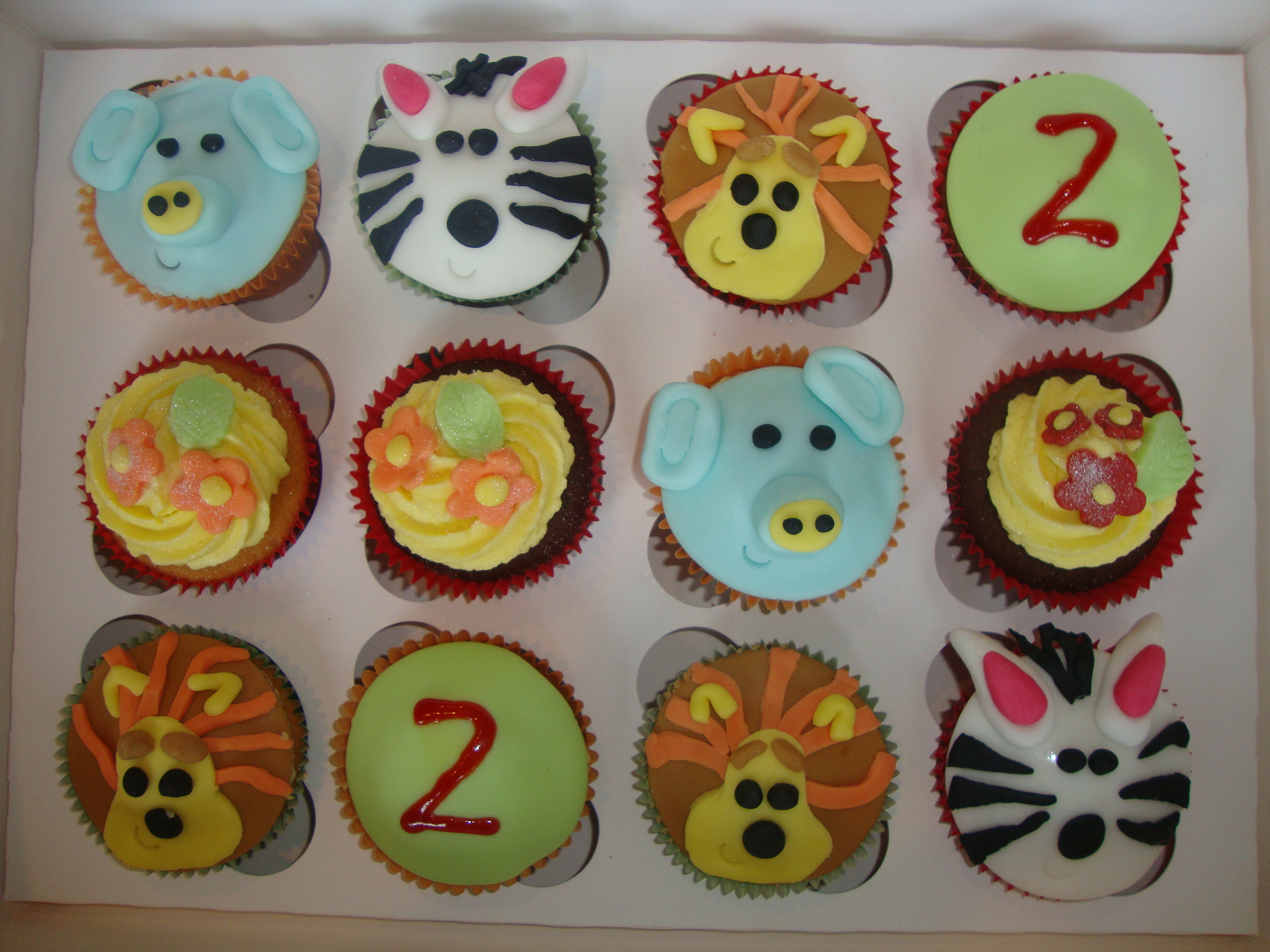 Raa Raa The Lion Cupcakes